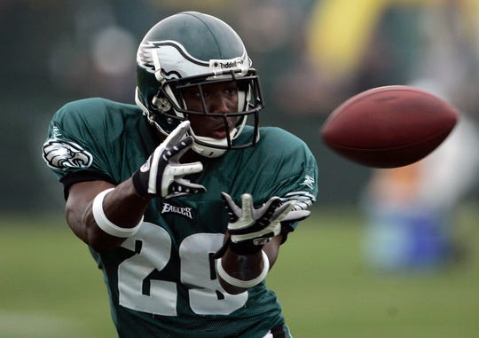 Philadelphia Eagles rookie running back LeSean McCoy makes a catch during the morning session of NFL football training camp at Lehigh University in Bethlehem, Pennsylvania on Friday, July, 31, 2009