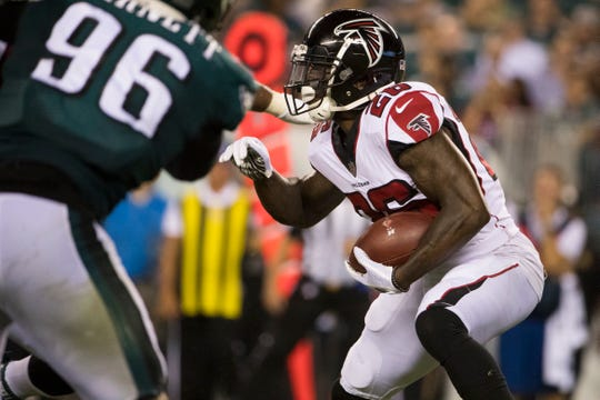 Tevin Coleman, formerly of the Atlanta Falcons, signed a two-year contract with the San Francisco 49ers this week.