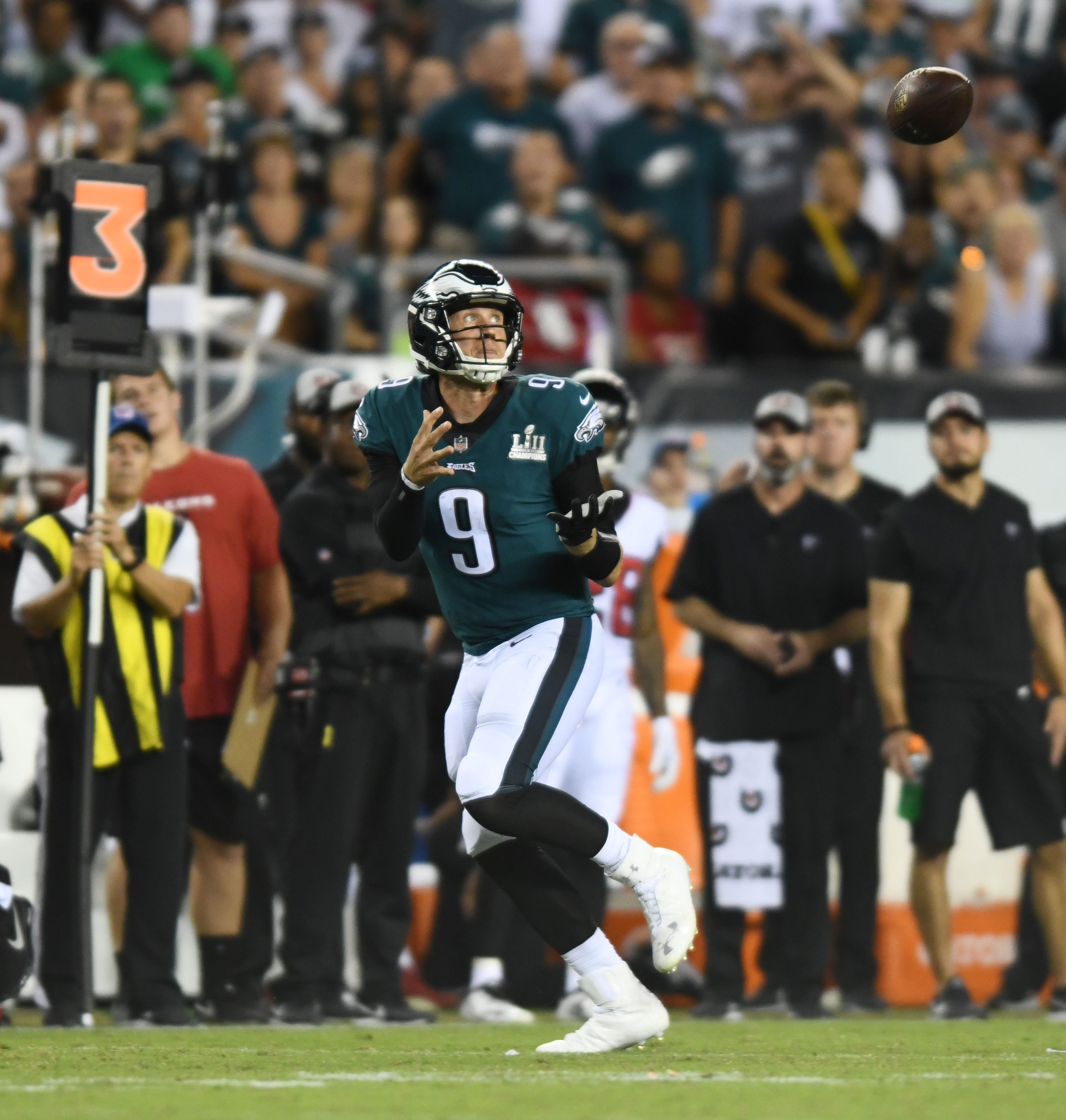 Philadelphia Eagles quarterback Nick Foles catches a pass from wide receiver Nelson Agholor in the third quarter against the Atlanta Falcons at Lincoln Financial Field. - Packers QB Carted Off In Clash With Bears