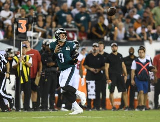 SportsPulse: From Philadelphia, Trysta Krick and Jarrett Bell breakdown an ugly but dramatic NFL kickoff game that saw the Eagles win in a familiar fashion.