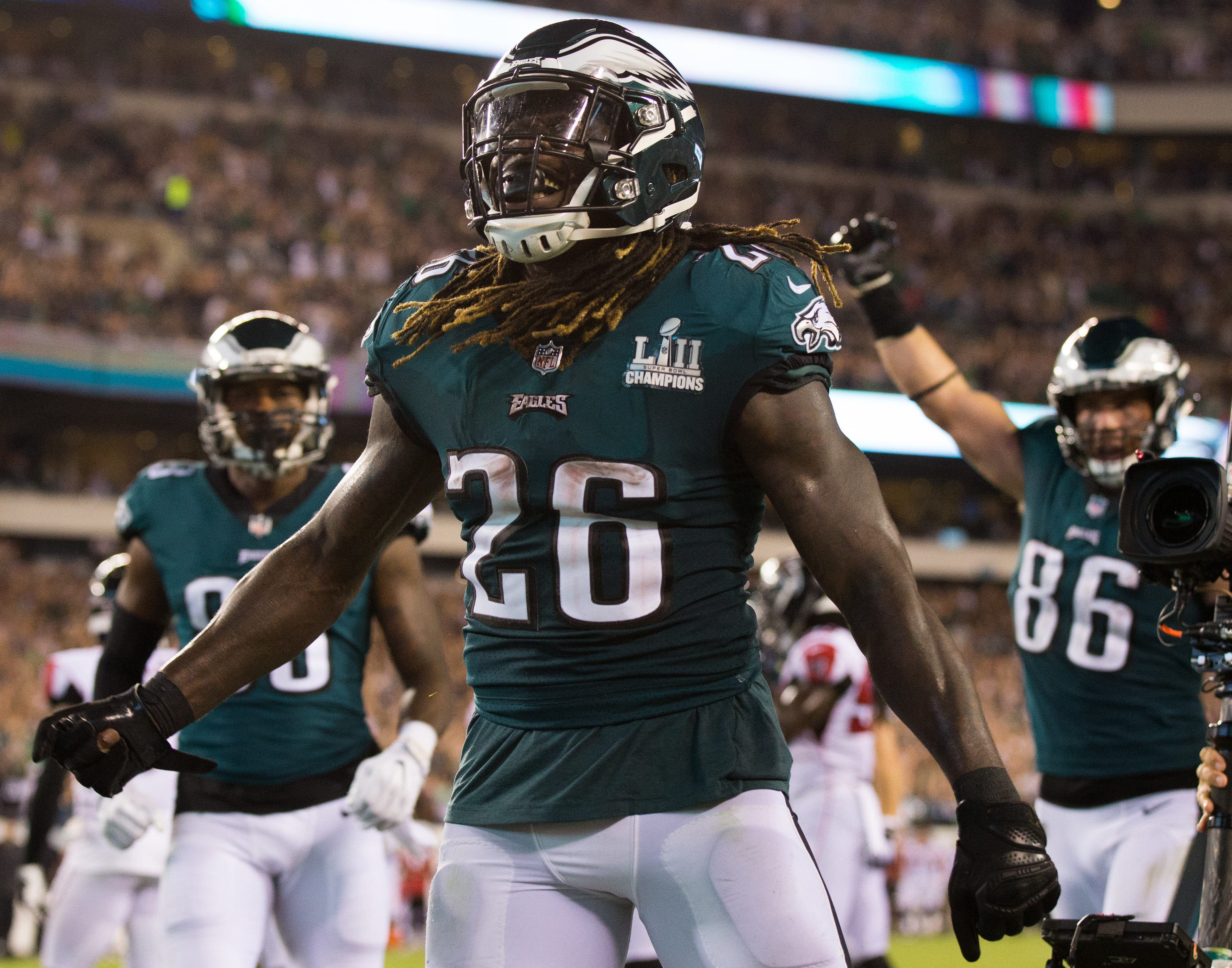 Philadelphia Eagles running back Jay Ajayi reacts to his touchdown against the Atlanta Falcons during the third quarter at Lincoln Financial Field. - Packers QB Carted Off In Clash With Bears