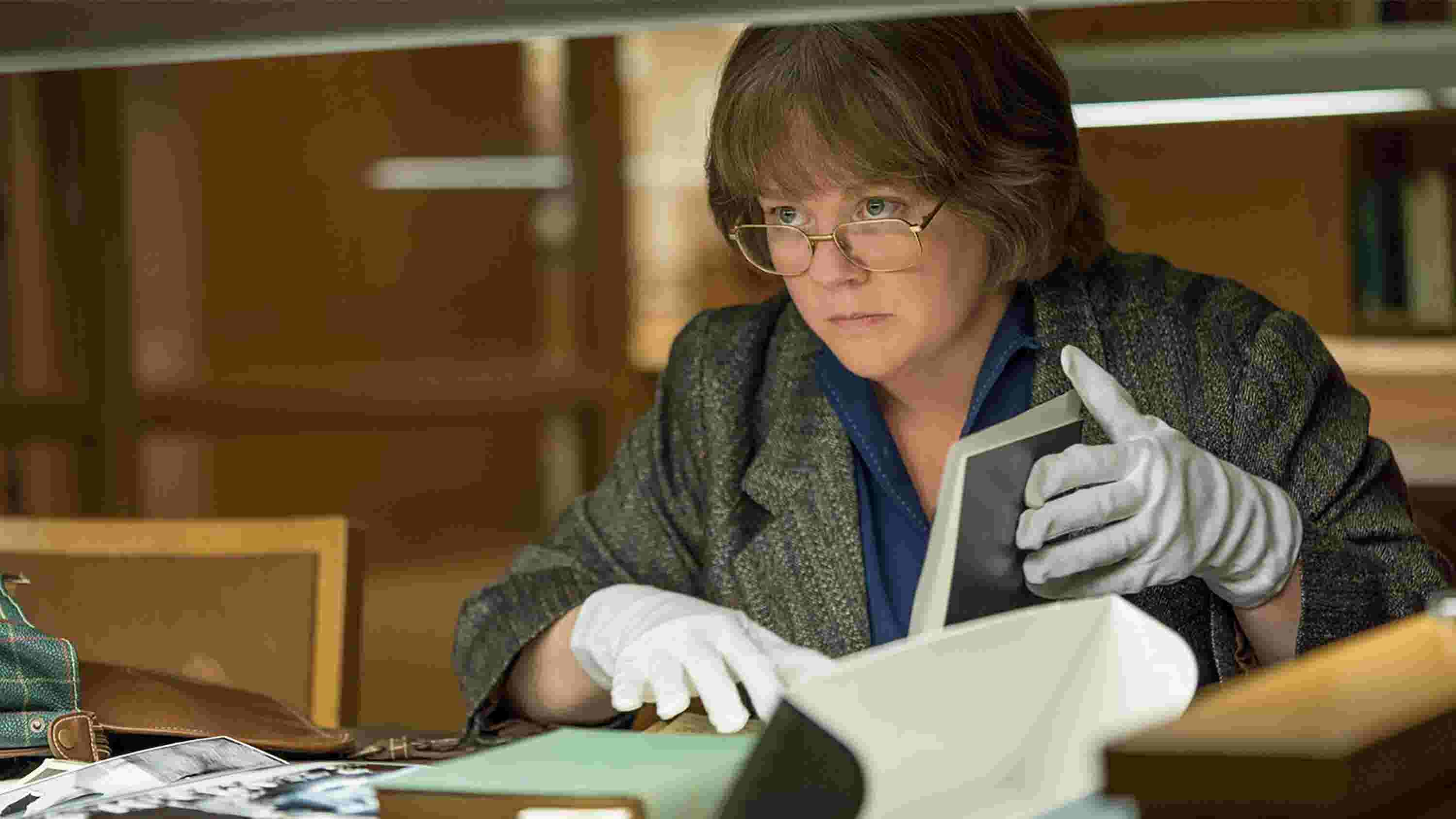 Melissa McCarthy as Lee Israel in Can You Ever Forgive Me