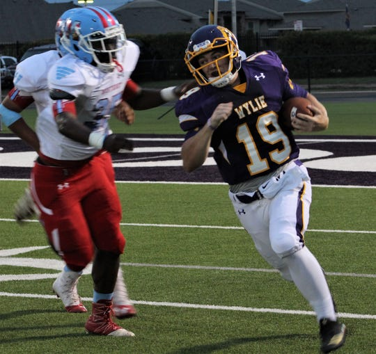 Wylie quarterback Harrison Atwood (19) played his best game of the season against Lubbock Monterey. The Bulldogs hope to get more consistency and production out of its offense during the stretch run starting Friday against Wichita Falls High.