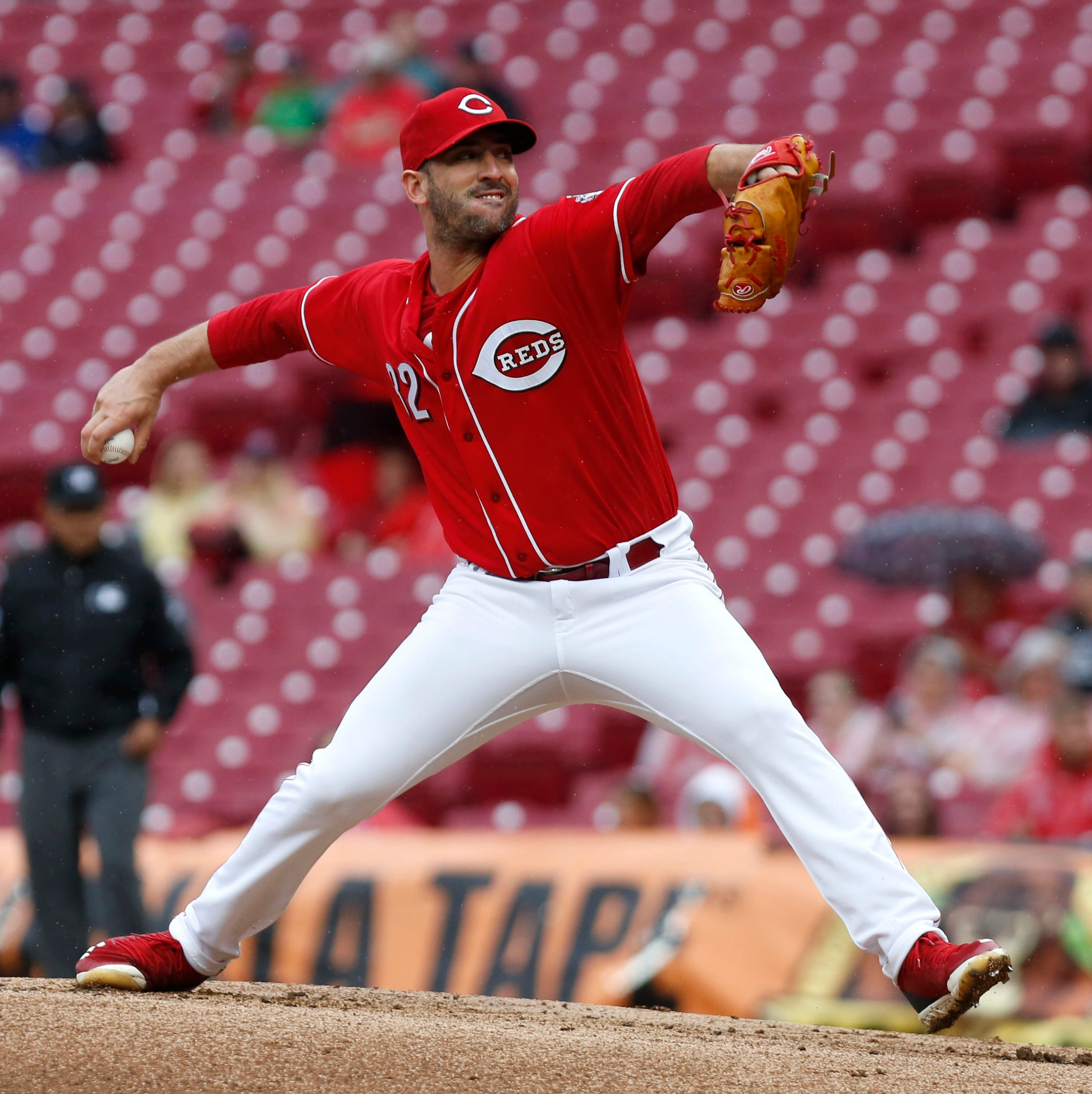Former Cincinnati Reds pitcher Matt Harvey signs with Los Angeles Angels