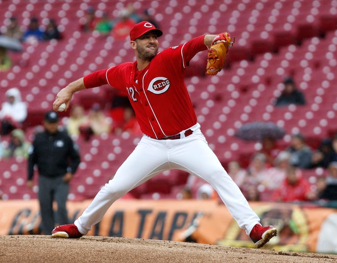 Sep 8, 2018; Cincinnati, OH, USA; Cincinnati Reds starting pitcher Matt Harvey (32) throws against the San Diego Padres during the first inning at Great American Ball Park. Mandatory Credit: David Kohl-USA TODAY Sports