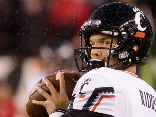 Cincinnati Bearcats quarterback Desmond Ridder (9) warms up before the NCAA football game between Miami (Oh) Redhawks and Cincinnati Bearcats on Saturday, Sept. 8, 2018, in Downtown Cincinnati.