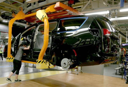 A 2017 Chrysler Pacifica on the skillet line at the FCA Windsor Assembly Plant in Windsor, Ontario in May 2016.