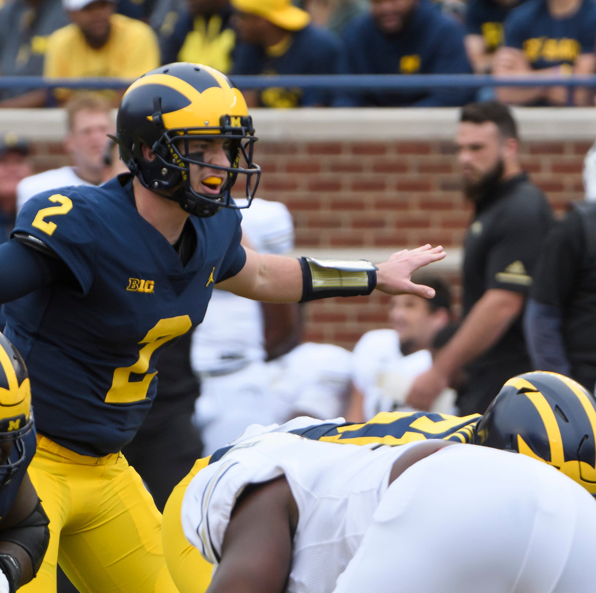 Shea Patterson completely at home in Michigan's offense