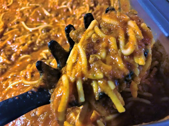 Kentucky folks love spaghetti as a side for fried fish. Find it, alongside macaroni and cheese, baked beans, cole slaw, macaroni salad, hush puppies and more on Mama's Pizza's catfish buffet.