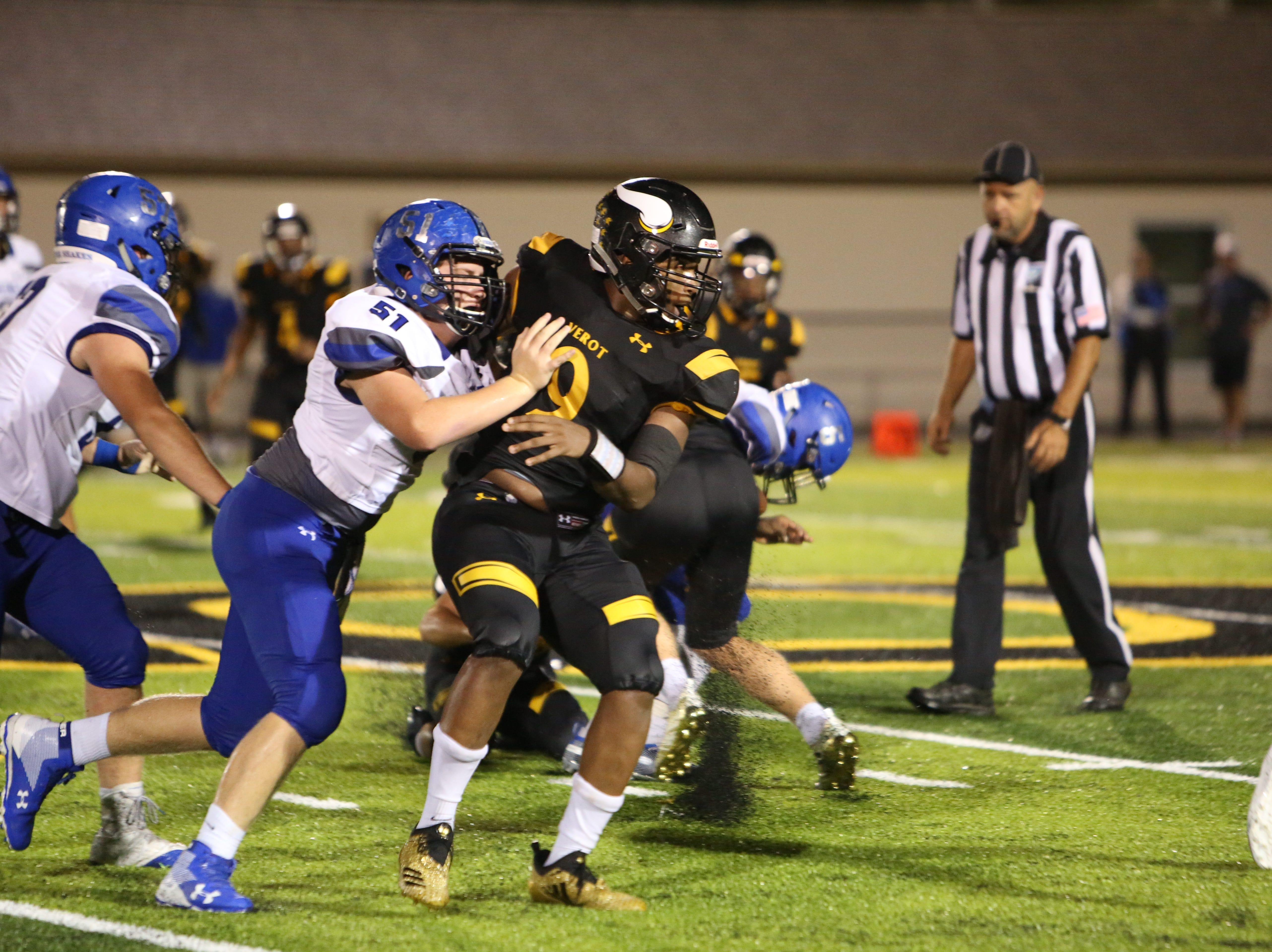 Bishop Verot hosted Lakeland Christian in its home opener and came away with a 17-10 victory.