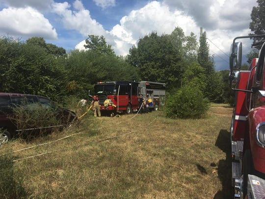 Hardin County Fire Department responded to a grass fire about one mile south of Savannah Friday afternoon.