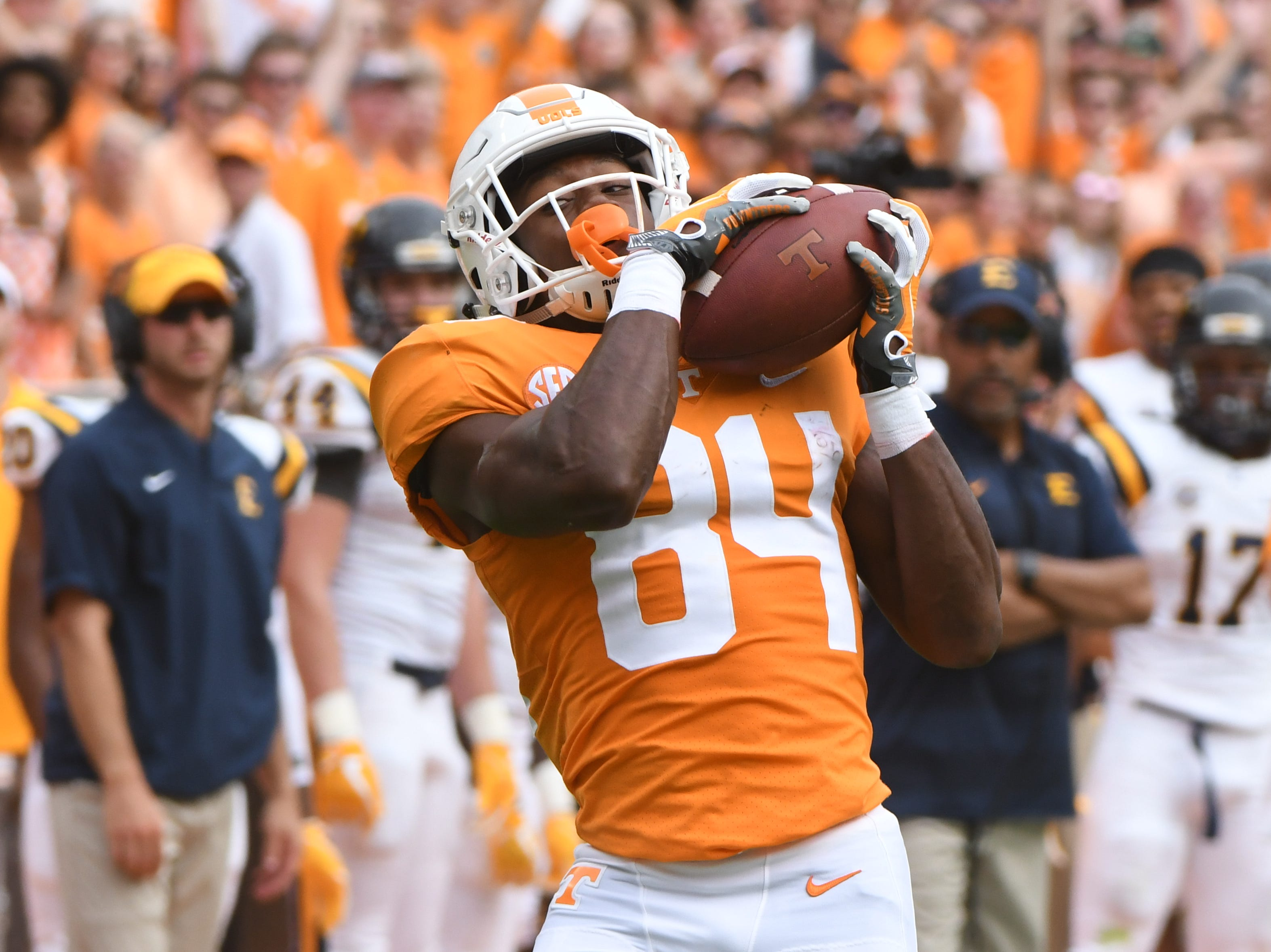 Tennessee wide receiver Josh Palmer (84) makes a catch during a game between Tennessee and ETSU at Neyland Stadium in Knoxville, Tennessee on Saturday, September 8, 2018.