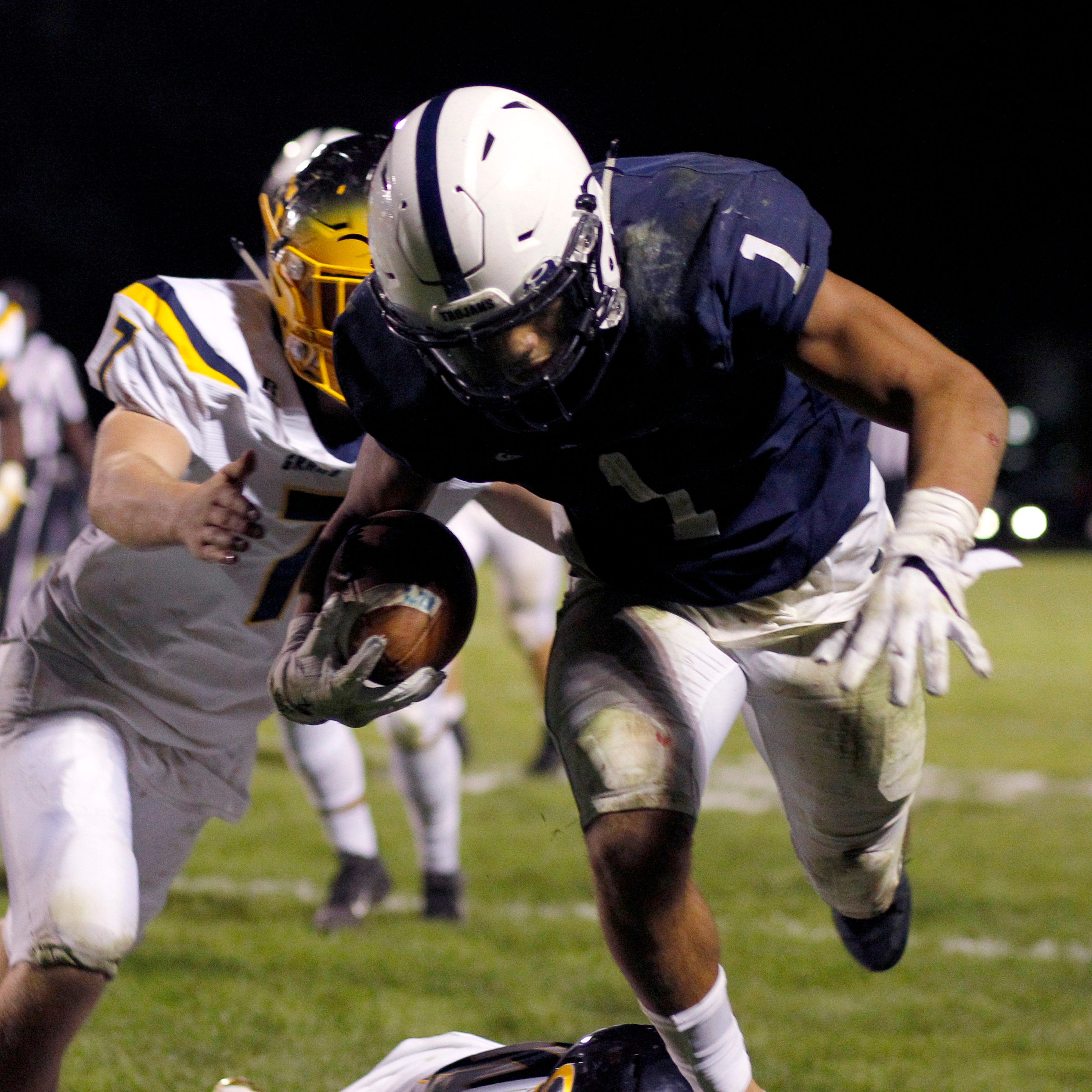 Lansing area high school football scores for Week 4