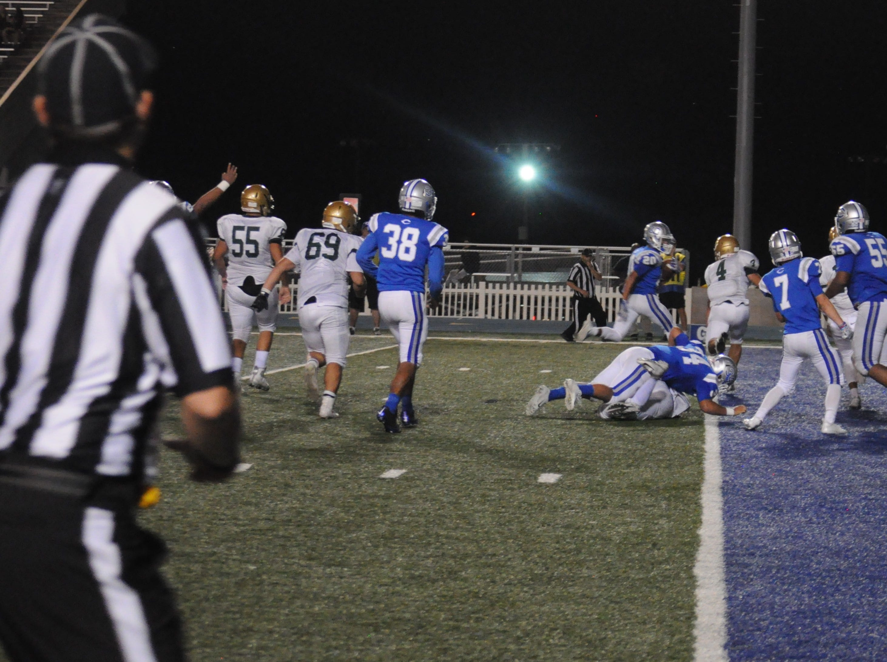 A Cavemen touchdown puts Carlsbad in a solid lead in the second half of the game against Atrisco Heritage Jaguars.