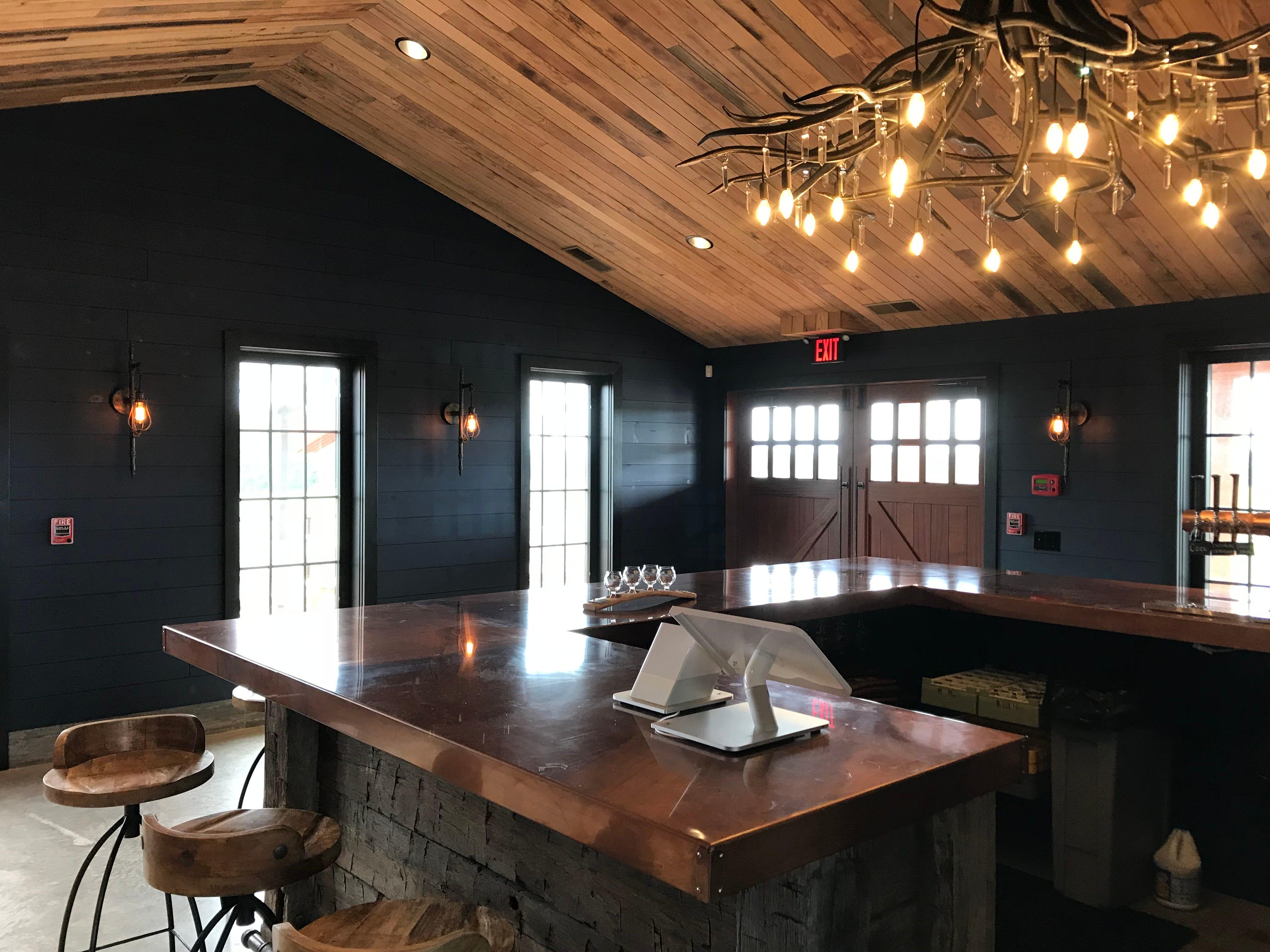 Oak & Apple Cidery tasting room.