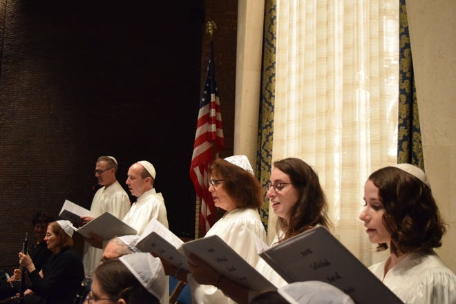 The Temple Beth El High Holy Day Choir performing during the Selichot Service on Sept.1, 2018. The Selichot Service marked the beginning of the High Holy Day season.