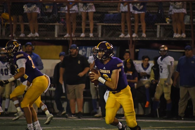 Salinas junior quarterback Carl Richardson (8) had another standout performance this week, this time coming against host Gilroy.