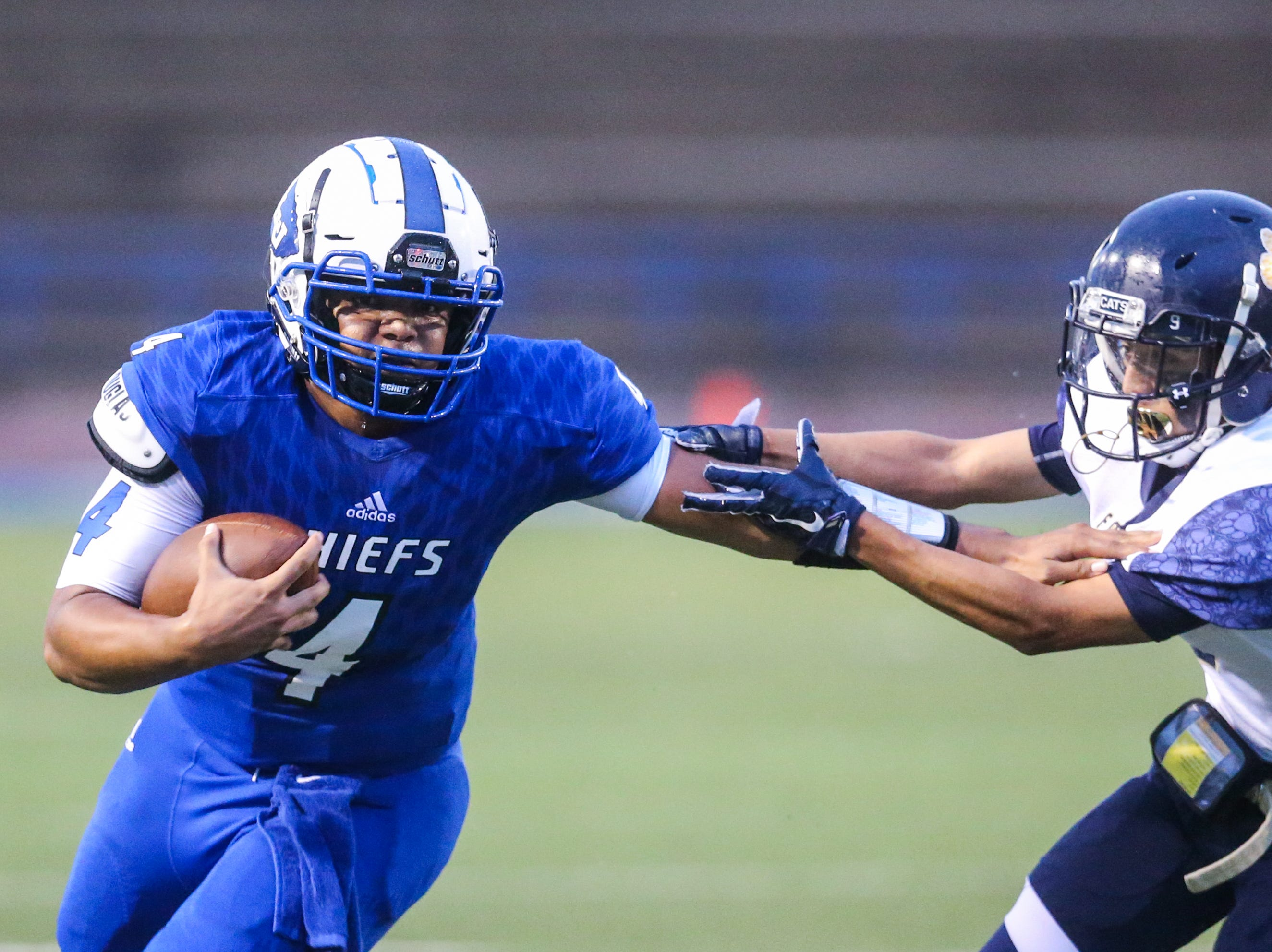 Lake View's Kendall Blue runs the ball against Fabens Friday, Sept. 7, 2018, at San Angelo Stadium.