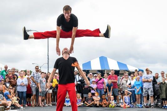Folkfest 9 8 52