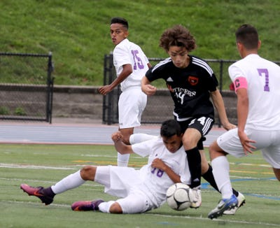 New Rochelle defeated White Plains 1-0 in a varsity soccer match at White Plains High School Sept. 8, 2018.