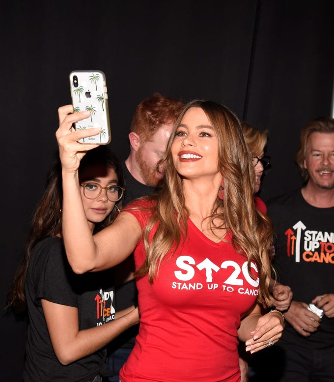 "Sofia Vergara gets ready for selfie backstage at the ""Stand Up To Cancer"" telethon"