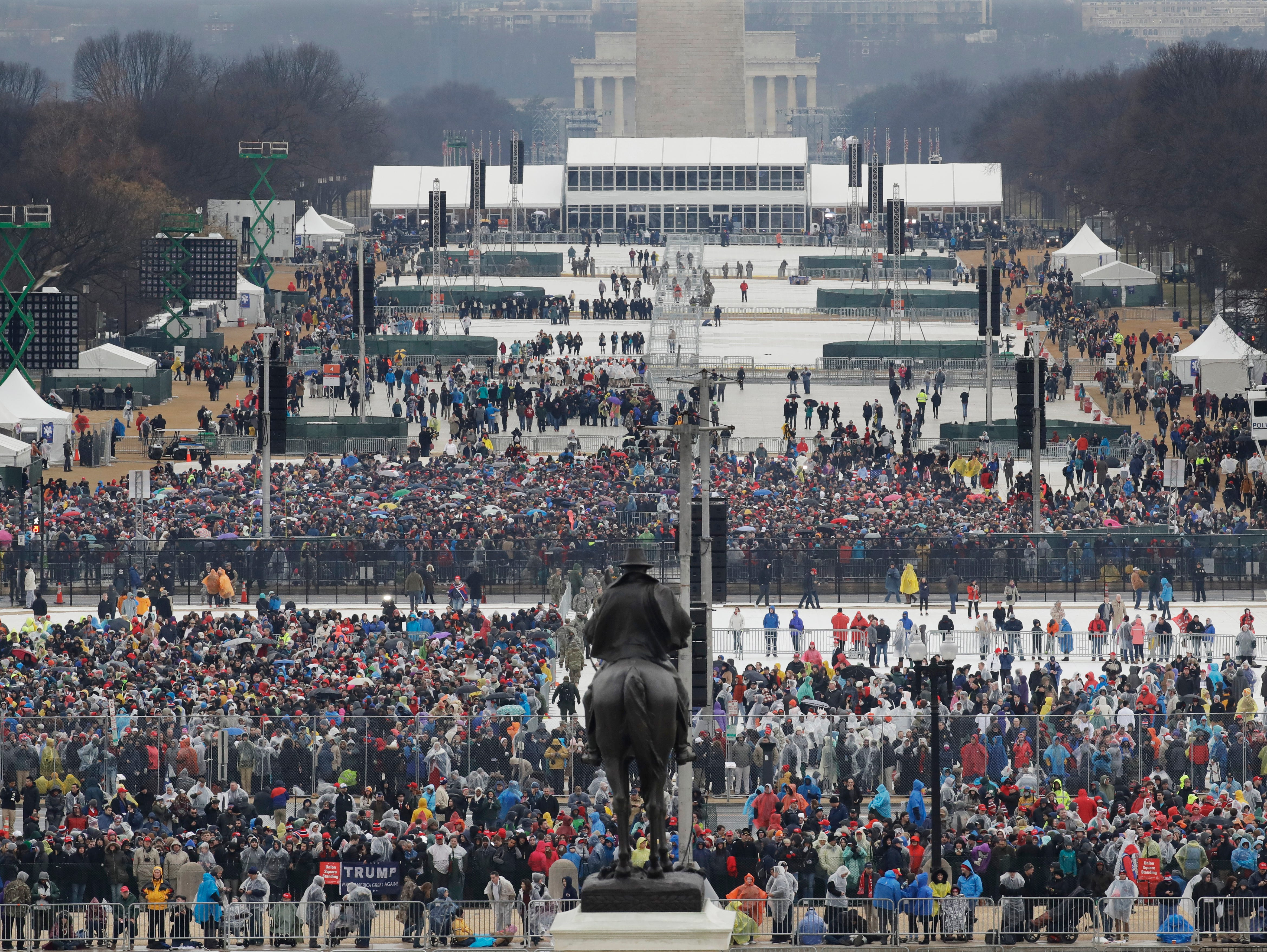 Report: Photos of Trump's inauguration were edited to seem like crowd was larger