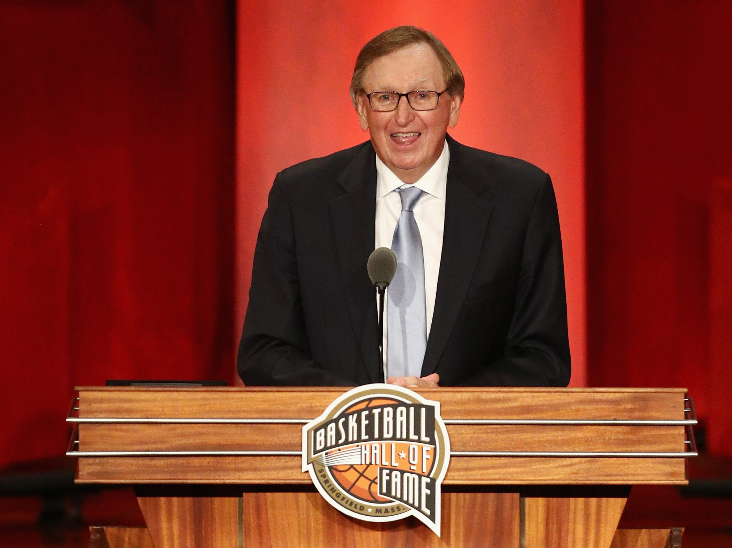 Rod Thorn speaks during the 2018 Basketball Hall of Fame Enshrinement Ceremony.