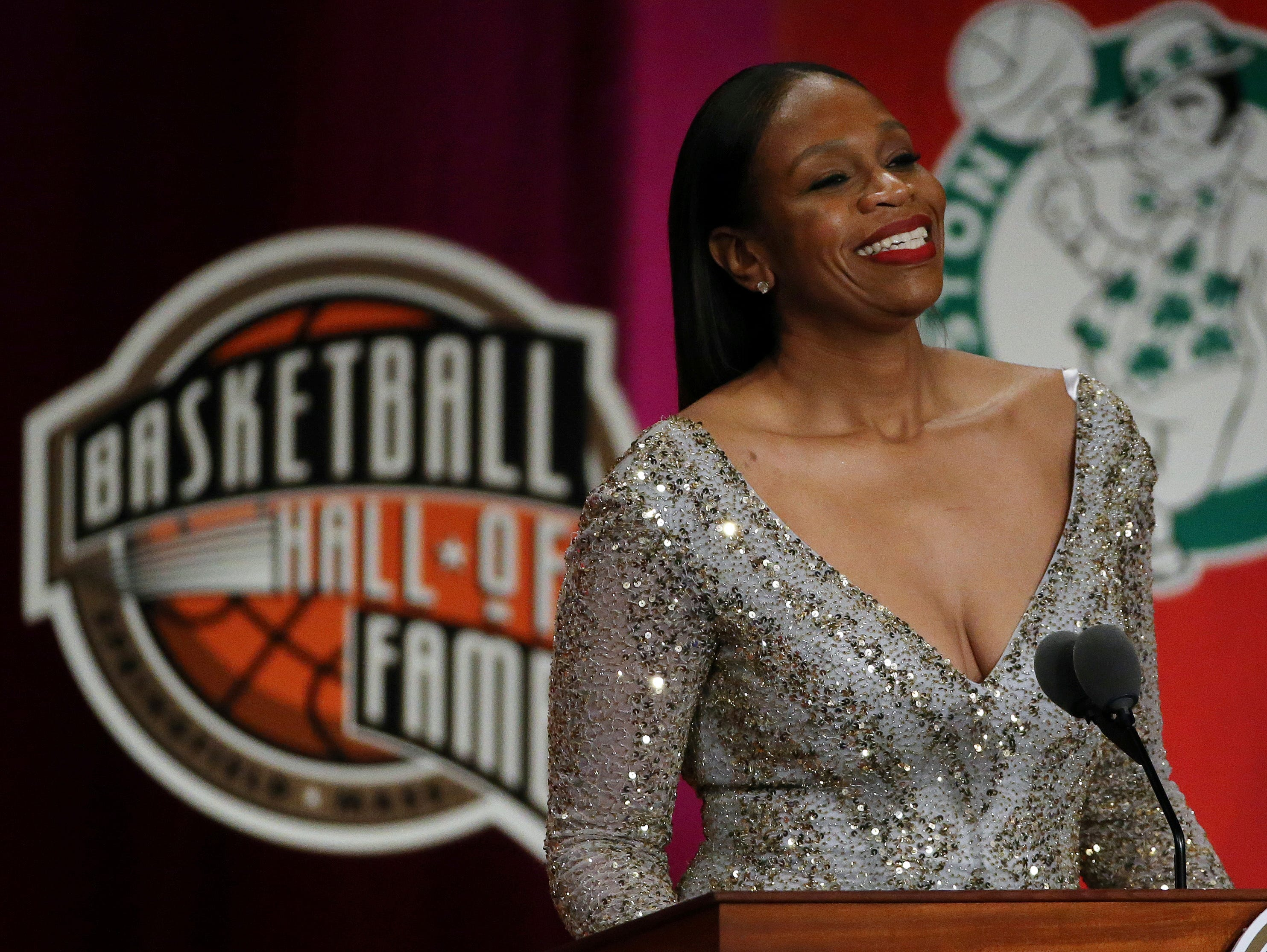Tina Thompson speaks during ceremonies at the Basketball Hall of Fame.