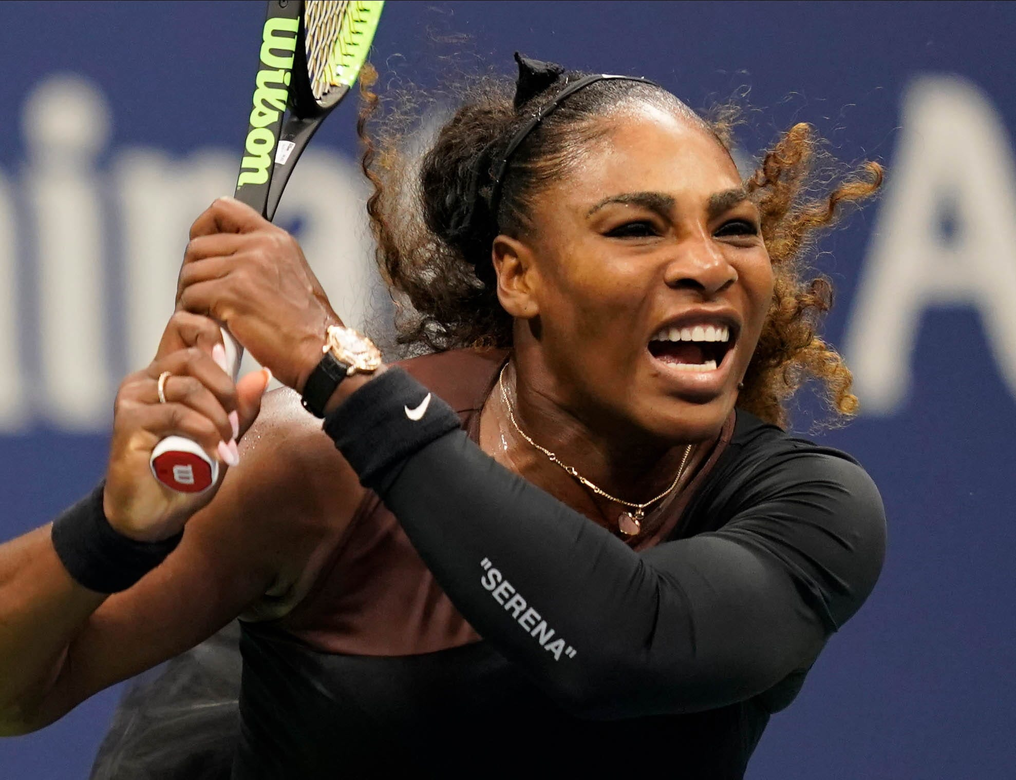 Serena Williams gets game warning after telling chair umpire 'You owe me an apology'