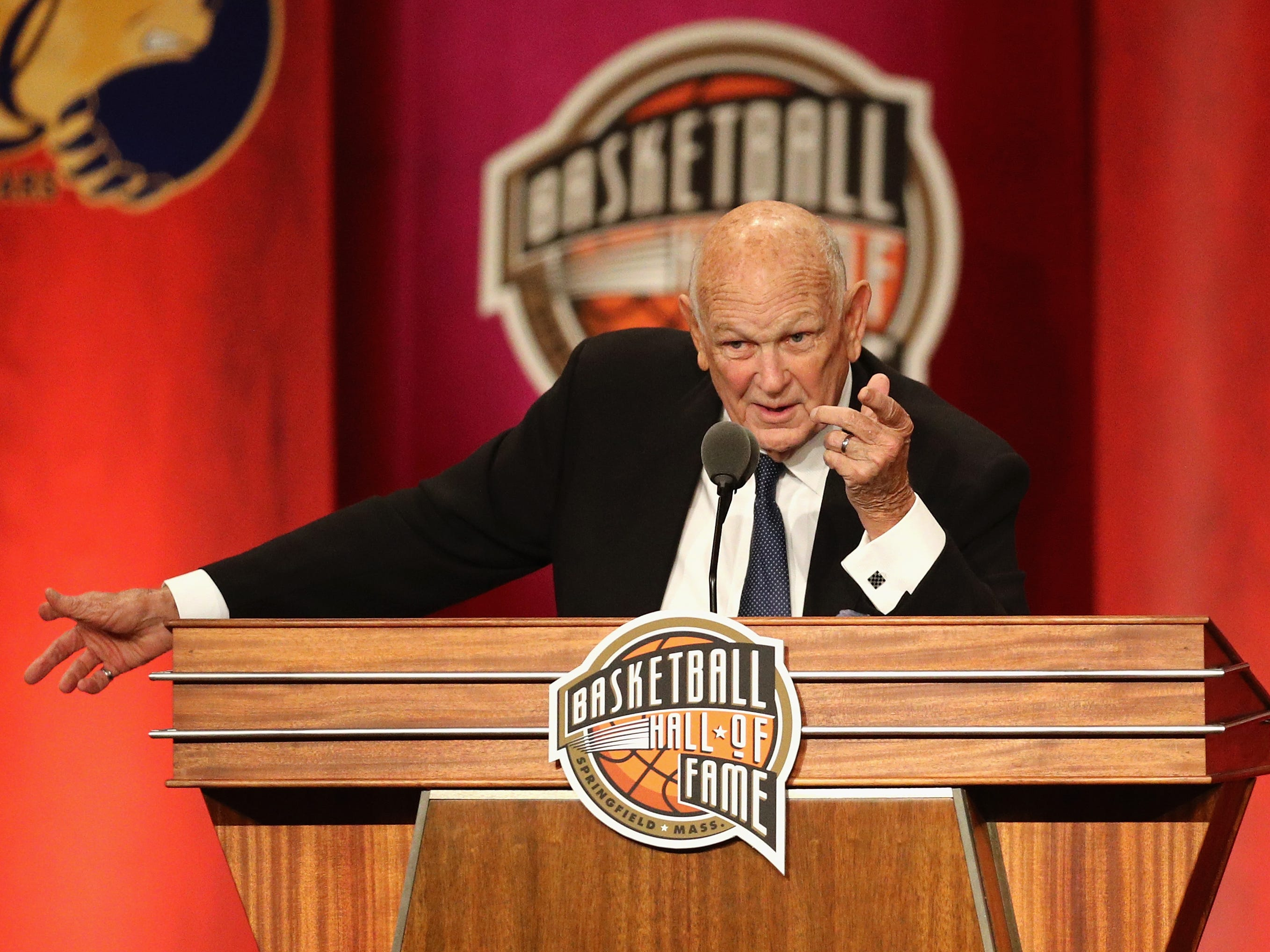 Charles 'Lefty' Driesell speaks during the 2018 Basketball Hall of Fame Enshrinement Ceremony.