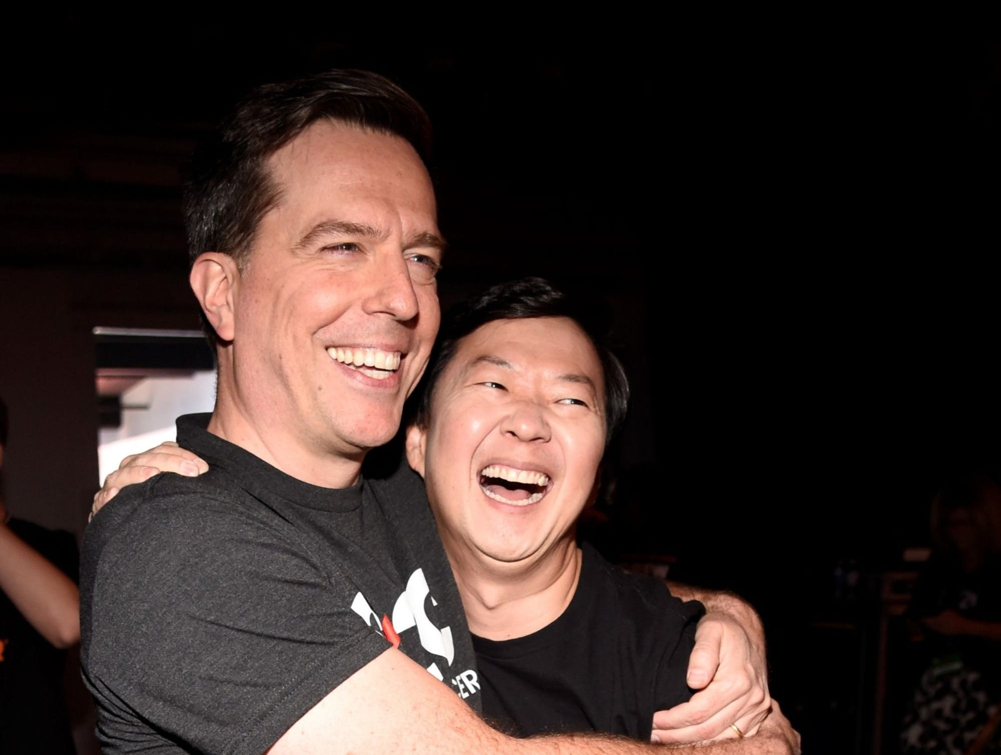 "Ed Helms and Ken Jeong have a ""Hangover"" reunion backstage at ""Stand Up To Cancer."""