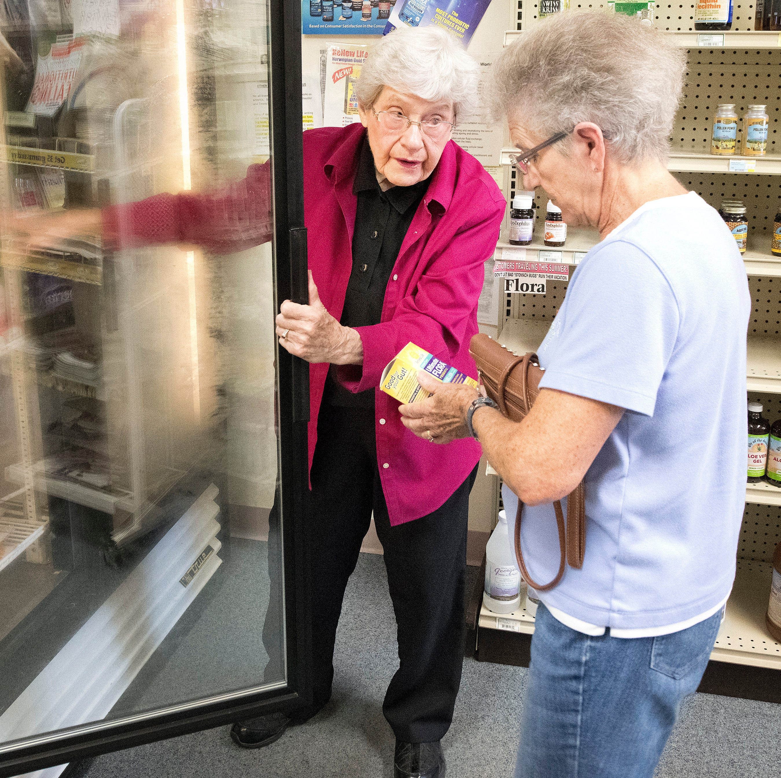 Sioux City woman, 95, retires after an 80-year career in retail