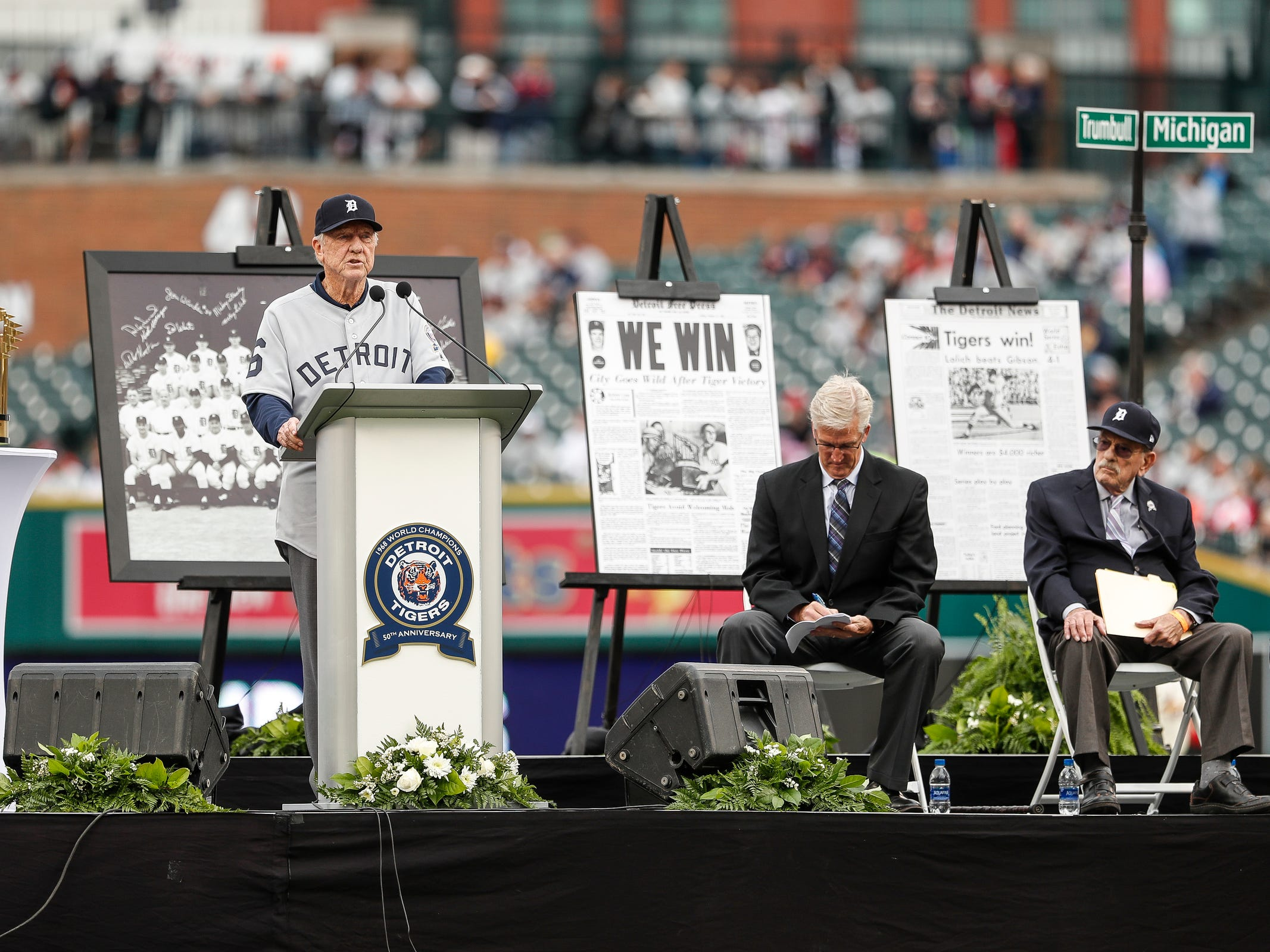 Former Detroit Tigers outfielder Al Kaline speaks during the celebration of the 50th anniversary of the 1968 World Series championship at Comerica Park in Detroit, Saturday, Sept. 8, 2018. Next to him are sportscaster Dan Dickerson, and Ray Lane.