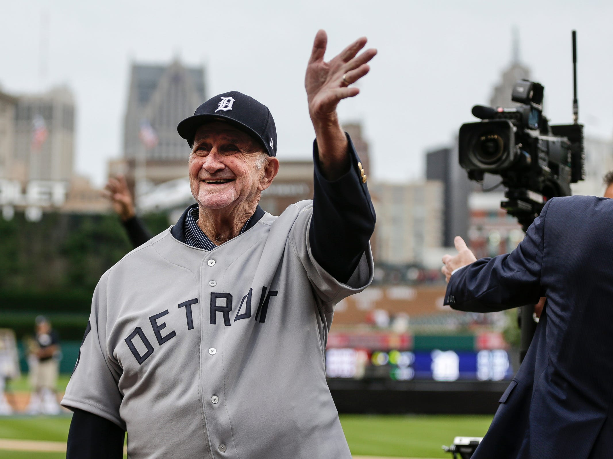 Former Detroit Tigers third baseman Don Wert waves at the crowd during the celebration of the 50th anniversary of the 1968 World Series championship at Comerica Park in Detroit, Saturday, Sept. 8, 2018.