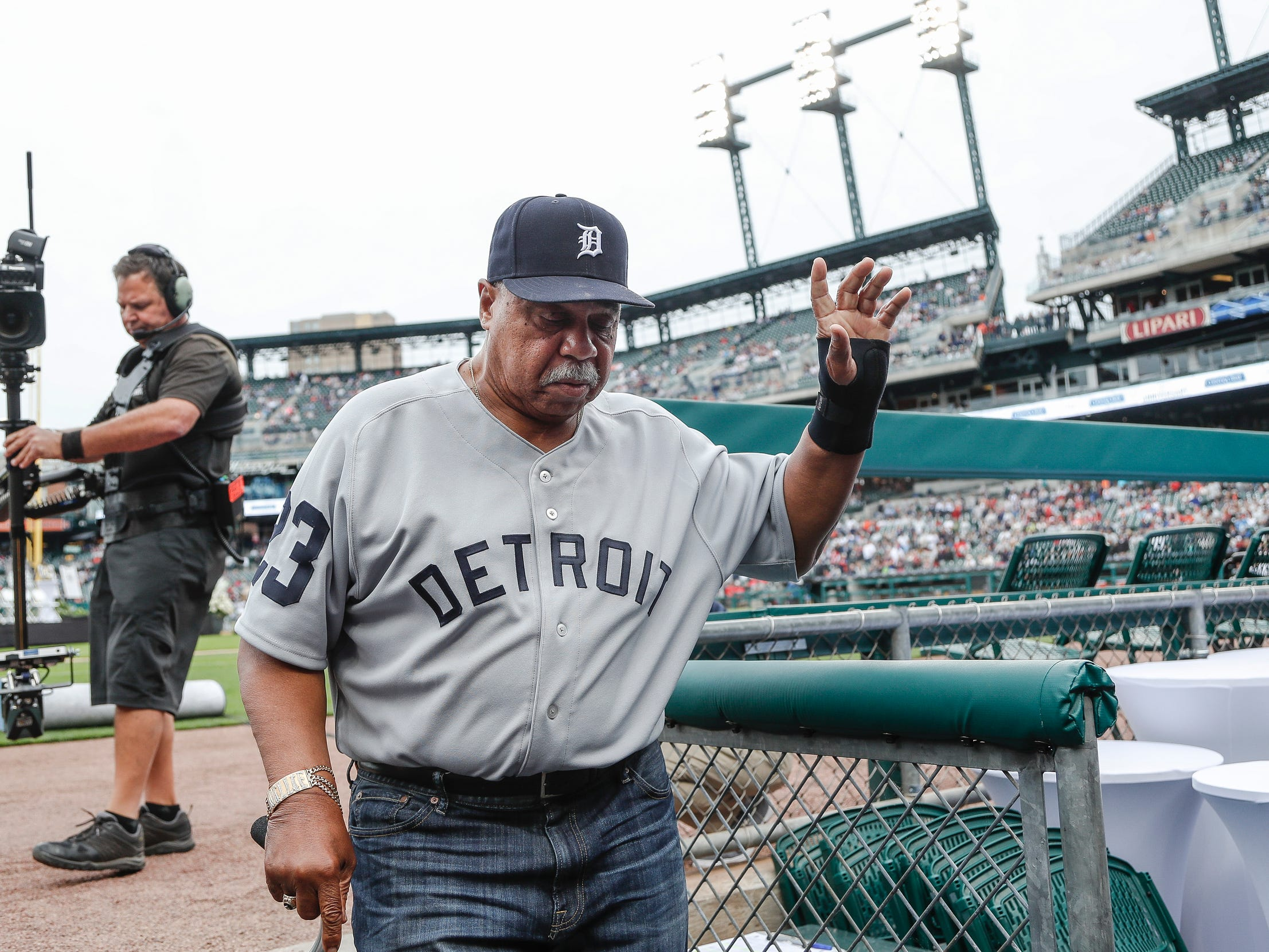 Former Detroit Tigers outfielder Willie Horton waves at the crowd as he walks to the dugout during the celebration of the 50th anniversary of 1968 World Series championship at Comerica Park in Detroit, Saturday, Sept. 8, 2018.