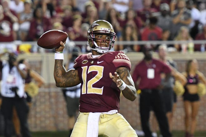 Florida State quarterback Deondre Francois had a stellar performance against Samford on Saturday night with four touchdown scores and 320 passing yards.