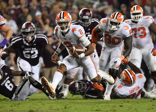 Clemson quarterback Kelly Bryant (2) carries against Texas A&M during the 3rd quarter at Texas A&M's Kyle Field in College Station, TX Saturday, September 8, 2018.