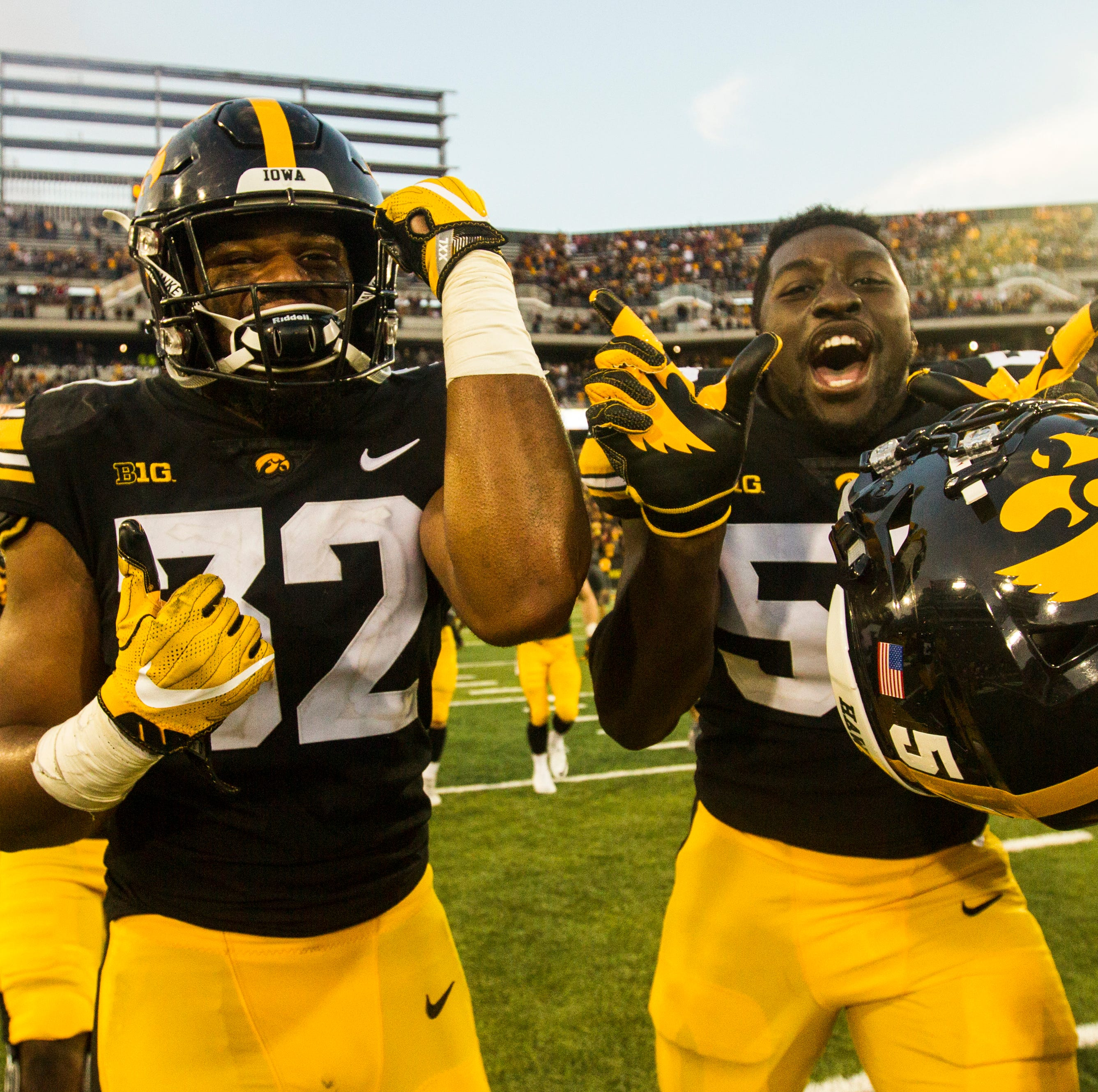 Leistikow's Thoughts: Hawkeyes dabble with 'little bully' at defensive end, Amani Jones