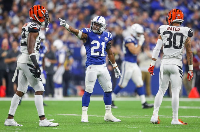 Indianapolis Colts running back Nyheim Hines (21) signals a first down against the Cincinnati Bengals at Lucas Oil Stadium on Sunday, Sept. 9, 2018.