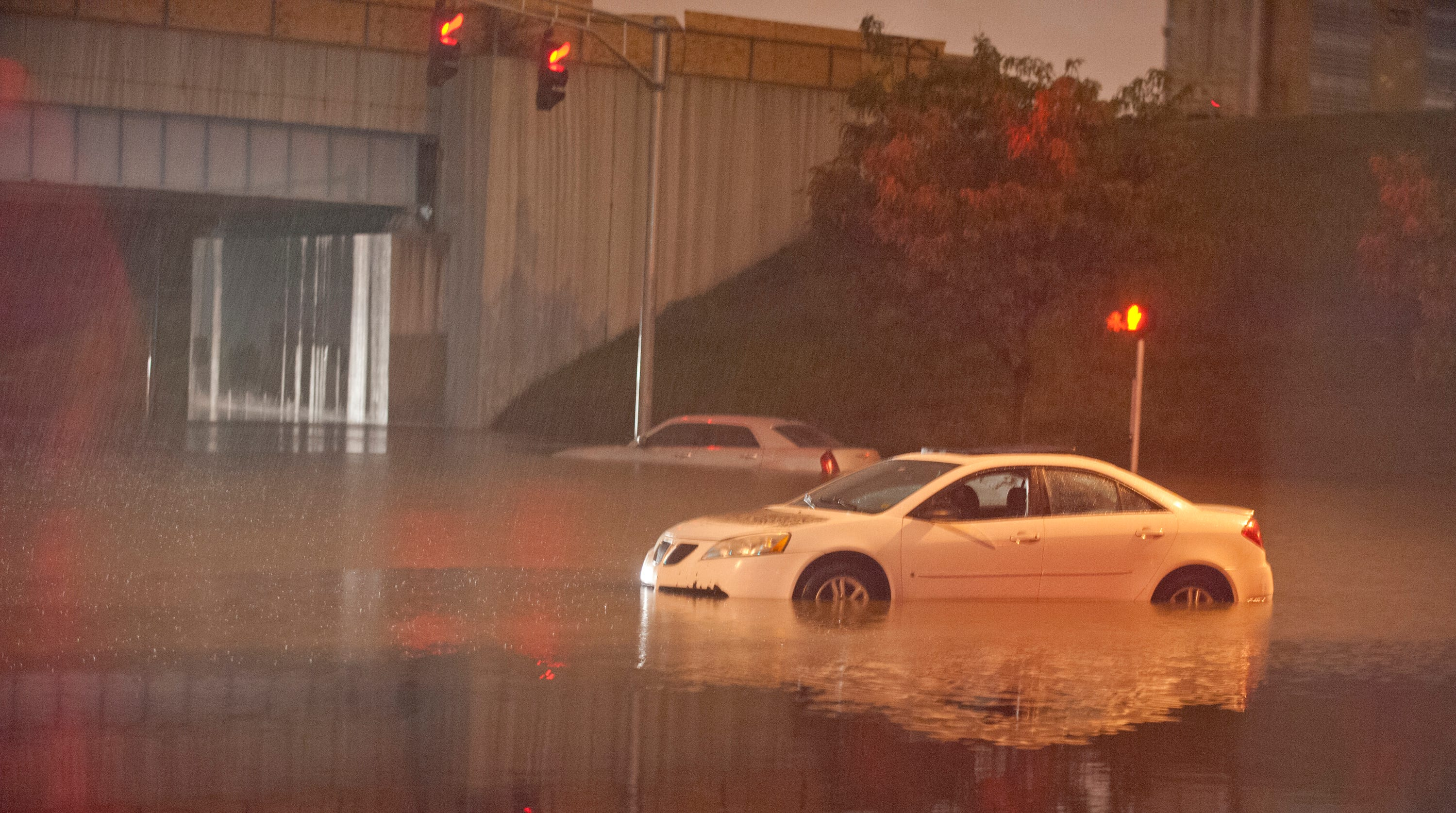 Louisville cab driver called 911 before drowning in flash flooding