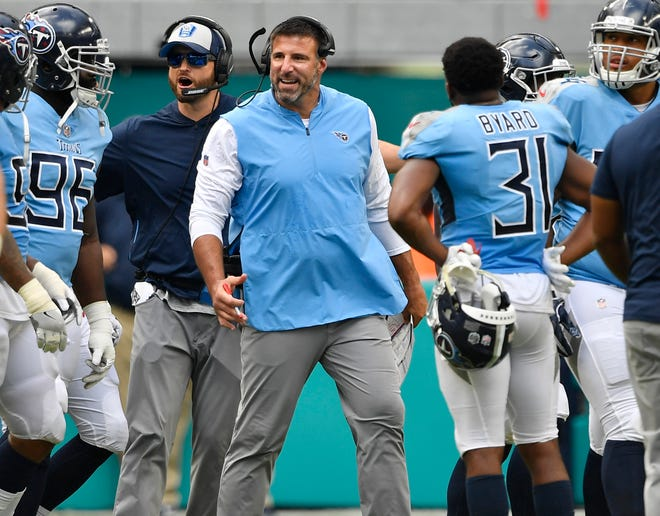 Titans head coach Mike Vrabel yells at his players after they got into a fight with the Dolphins players at Hard Rock Stadium Sunday, Sept. 9, 2018, in Miami Gardens, Fla.