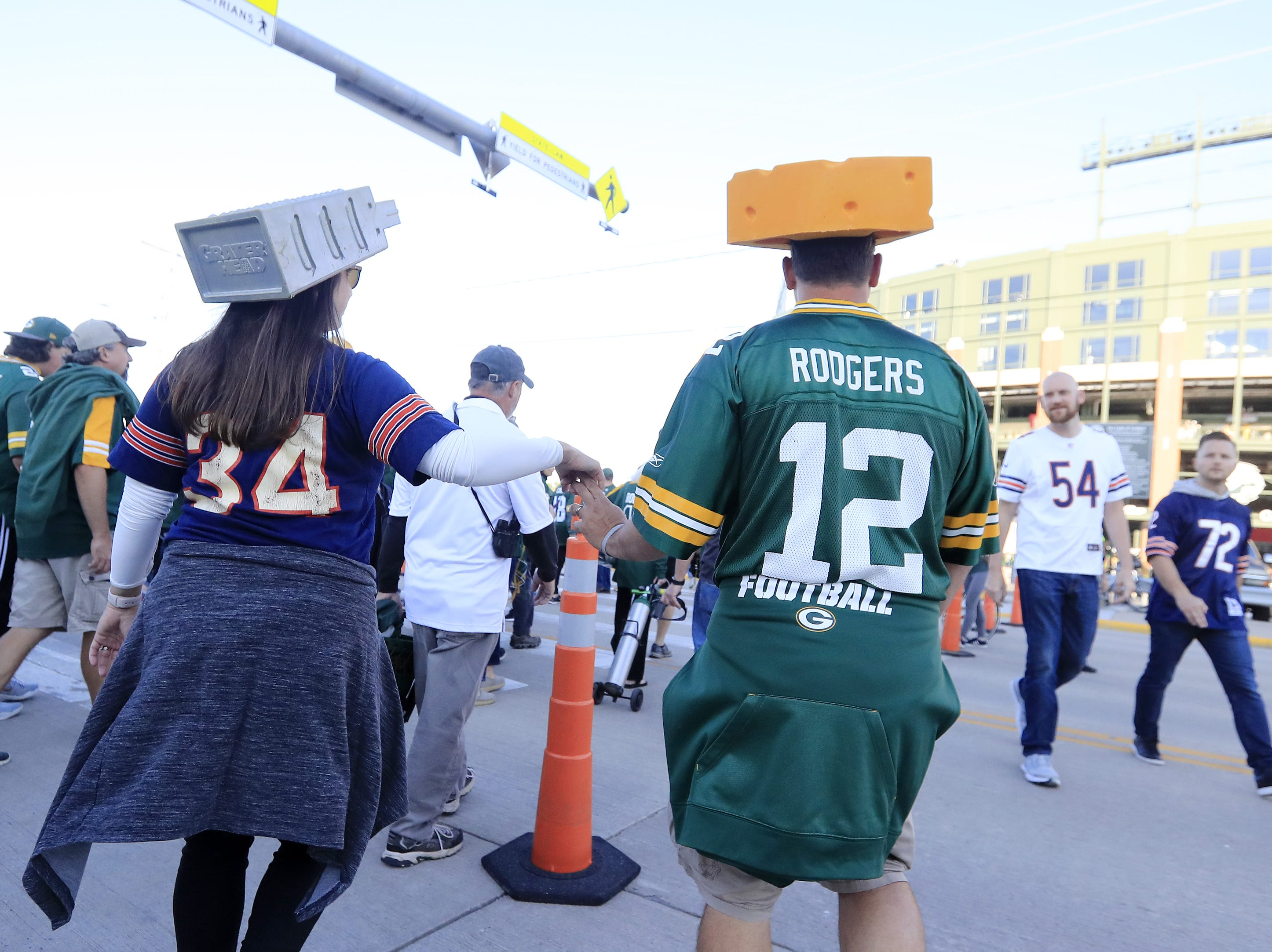 Fans arrive for Packers vs Bears at Lambeau Field on Sunday, September 9, 2018 in Green Bay, Wis.
