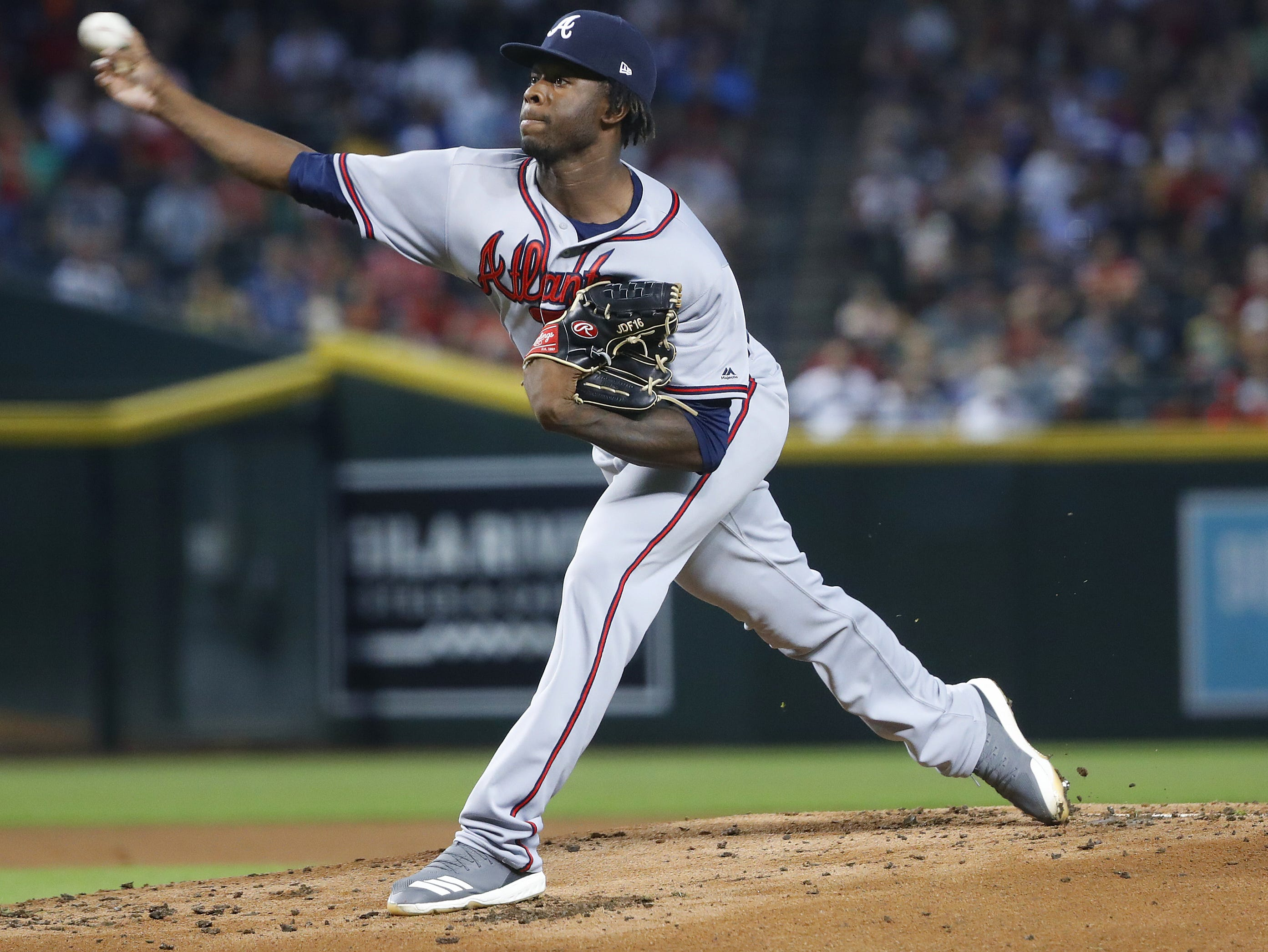 Braves Touki Toussaint pitches during the second inning against the Diamondbacks at Chase Field in Phoenix, Ariz. on Sept. 9, 2018.
