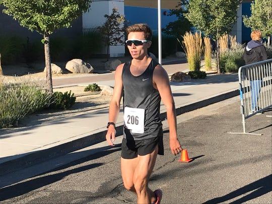 Tyler Sickler won the Journal Jog  in 26:39