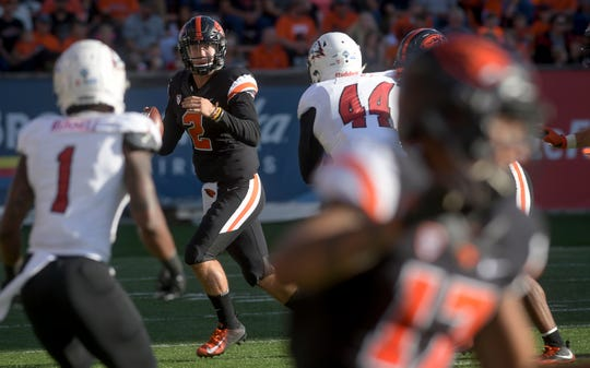Oregon State starting quarterback Conor Blount looks for an open receiver against Southern Utah during an NCAA college football game Saturday, Sept. 8, 2018, in Corvallis, Ore.