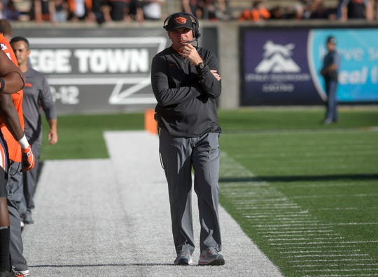 Oregon State coach Jonathan Smith walks the sideline during the team's NCAA college football game against Southern Utah on Saturday, Sept. 8, 2018, in Corvallis, Ore.