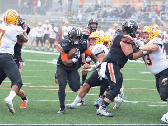 Sophomore Thomas Duckett scores one of his two touchdown runs during Ventura College's 34-19 win over Saddleback on Saturday  at the VC Sportsplex.