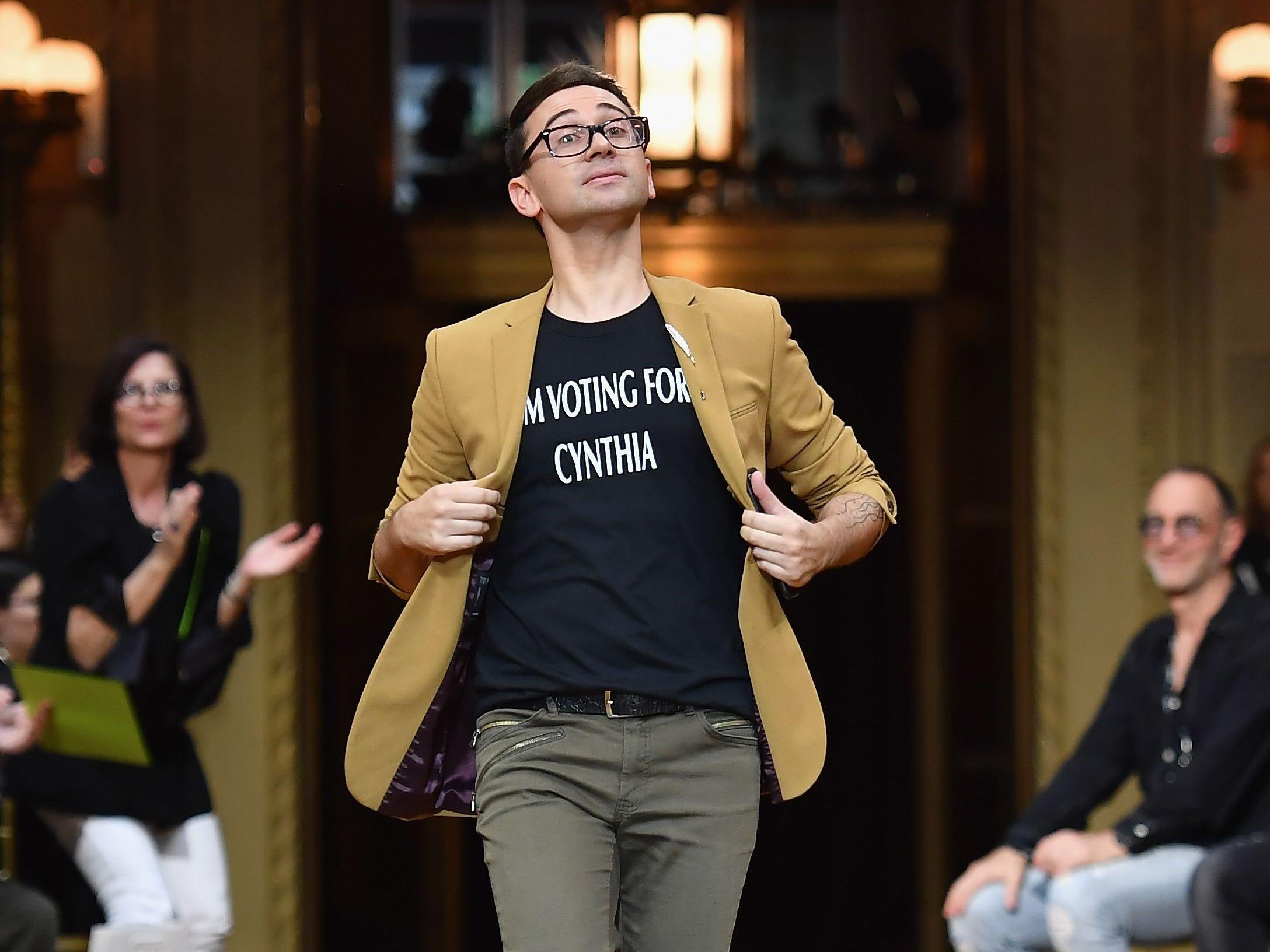 This Cynthia Nixon T-shirt won over the crowd at Christian Siriano's NYFW show