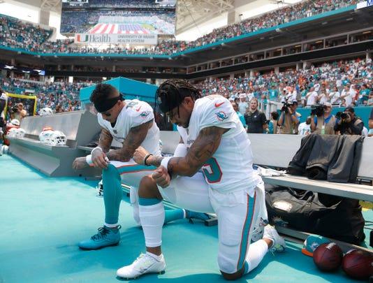 Ap Titans Dolphins Football S Fbn Usa Fl