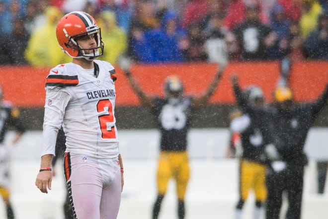 Cleveland Browns kicker Zane Gonzalez (2) reacts after missing a field goal in overtime against the Pittsburgh Steelers at FirstEnergy Stadium.